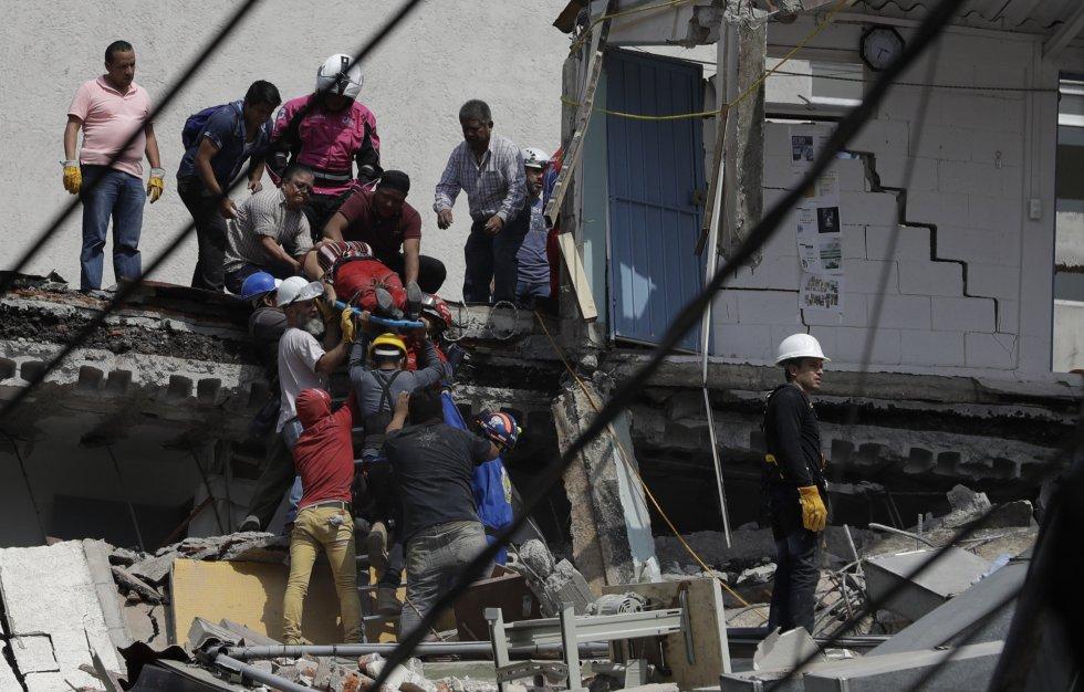 Fuerte y destructivo terremoto sacude México 1505847901_811354_1505858765_album_normal