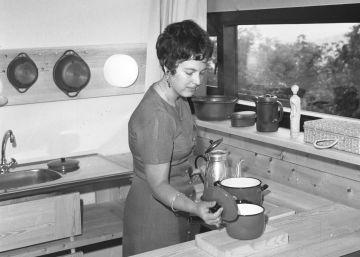 Si está en la cocina, es una mujer: cómo los algoritmos refuerzan los prejuicios