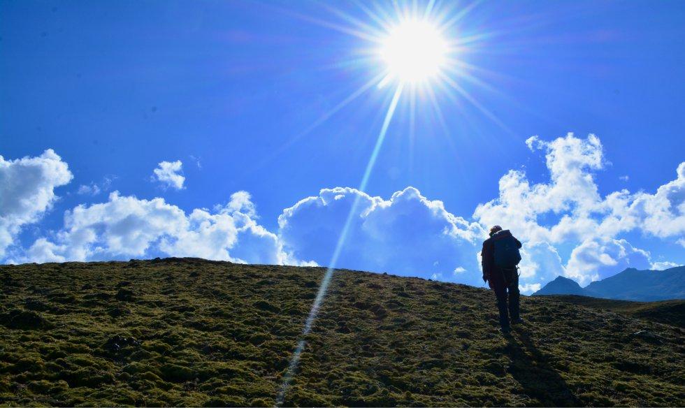 Aly Ponce de León, uno de los guías de Mountain Lodges, ha diseñado la ruta con la idea que sea única para el turista y conozca las costumbres y formas de vida locales. rn