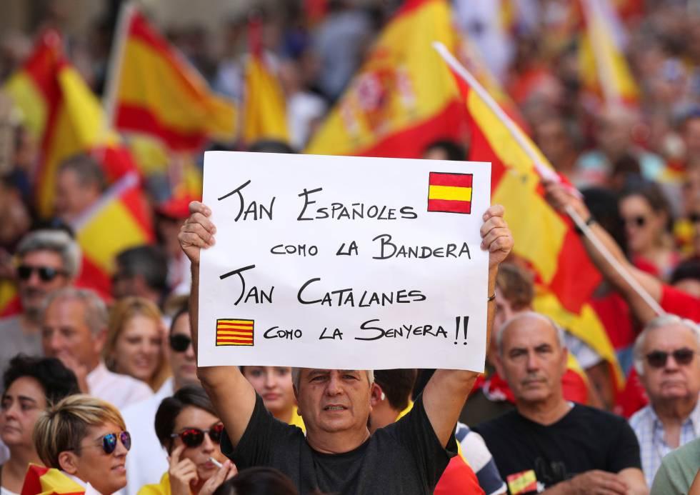 Este es otro de los carteles que se han visto en la manifestación de hoy en Barcelona.