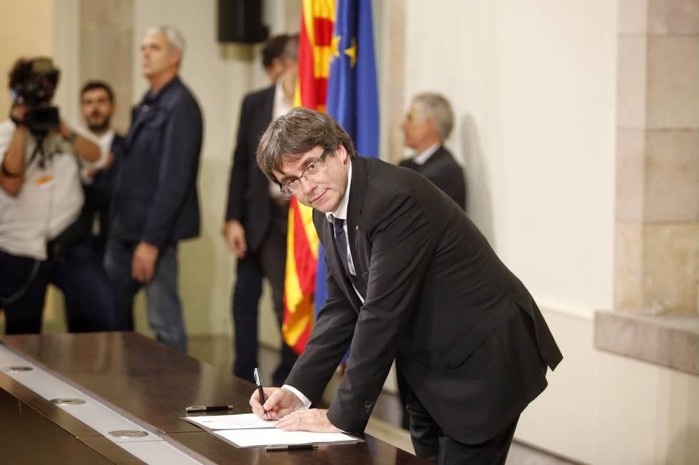 Resultado de imagen de declaracion independencia cataluña puigdemont