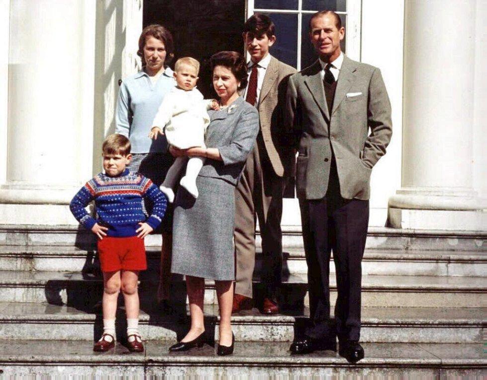 Fotos Los 70 Anos De Matrimonio De Isabel Ii Y Felipe De Edimburgo En Imagenes Gente Y Famosos El Pais