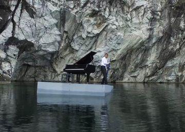 Un pianista ruso da un concierto en...
