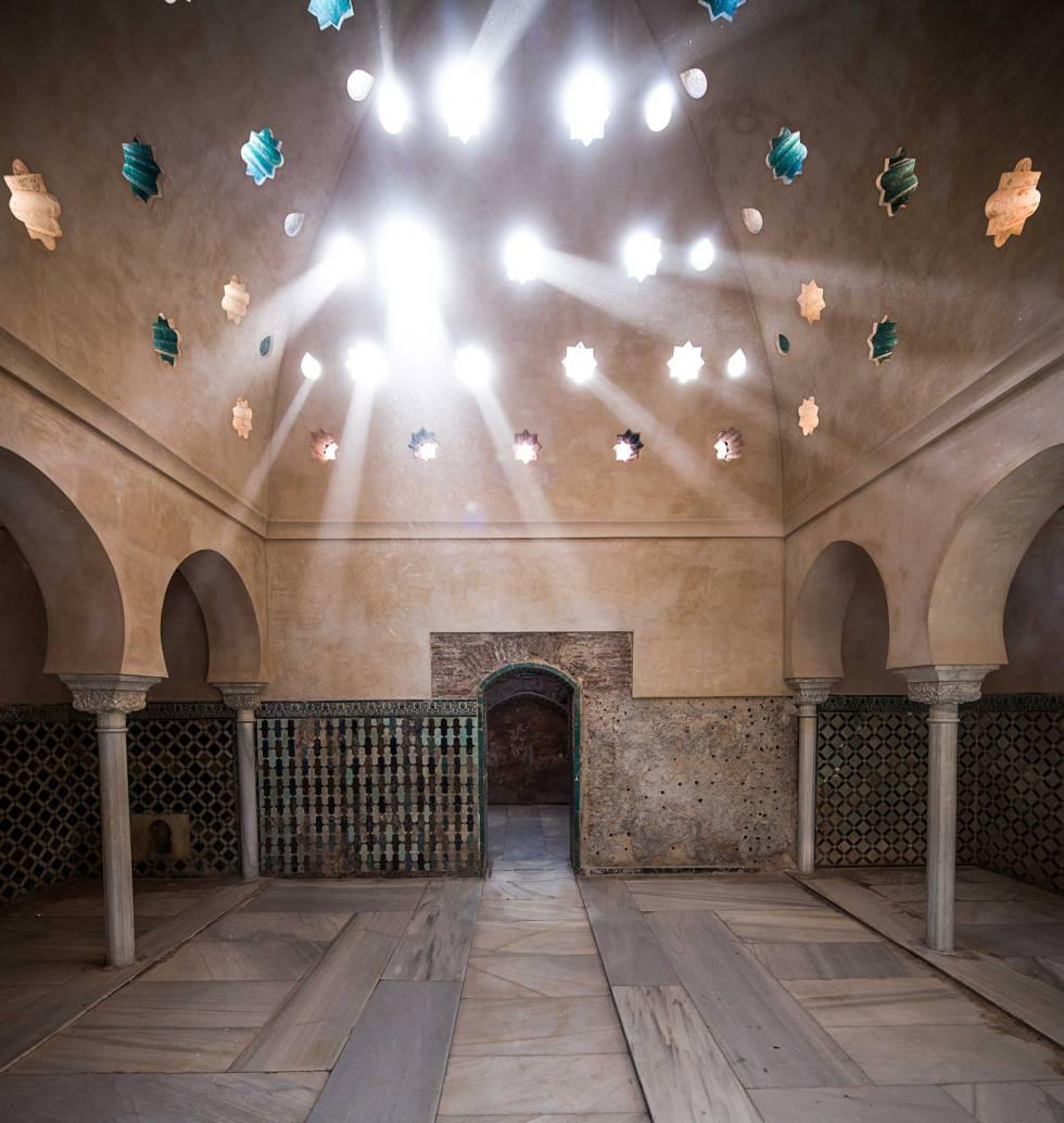 Fotos los ba os reales del palacio de comares en - Banos arabes palacio de comares ...