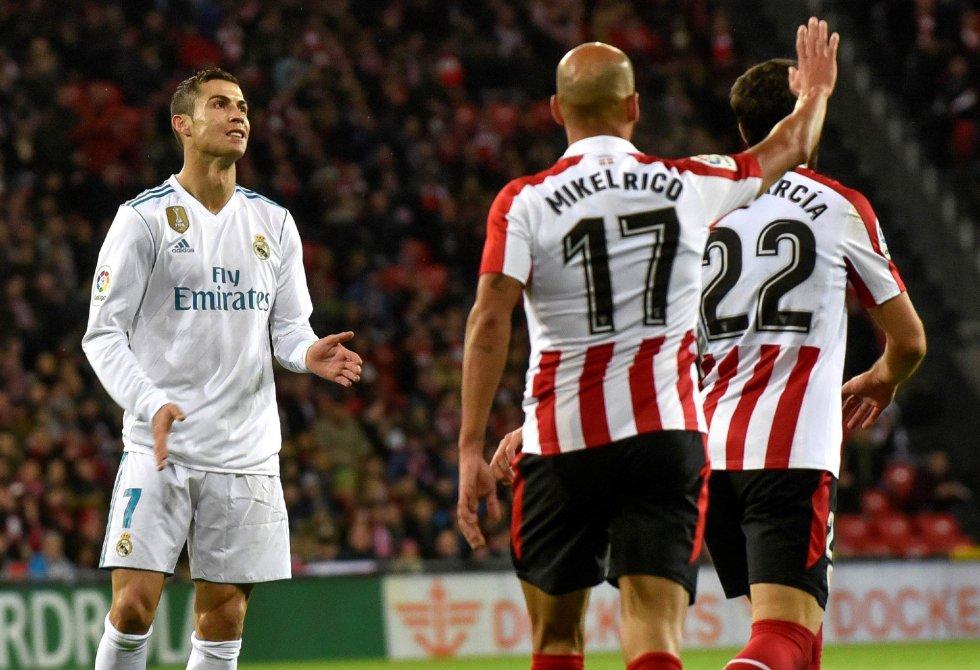 EFE  Cristiano Ronaldo se lamenta por una ocasión fallada durante el partido  de la decimocuarta jornada de 2e705b8109d68