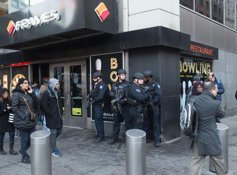 La policía investiga una explosión en la Terminal de Autobuses de la Autoridad Portuaria en Nueva York.