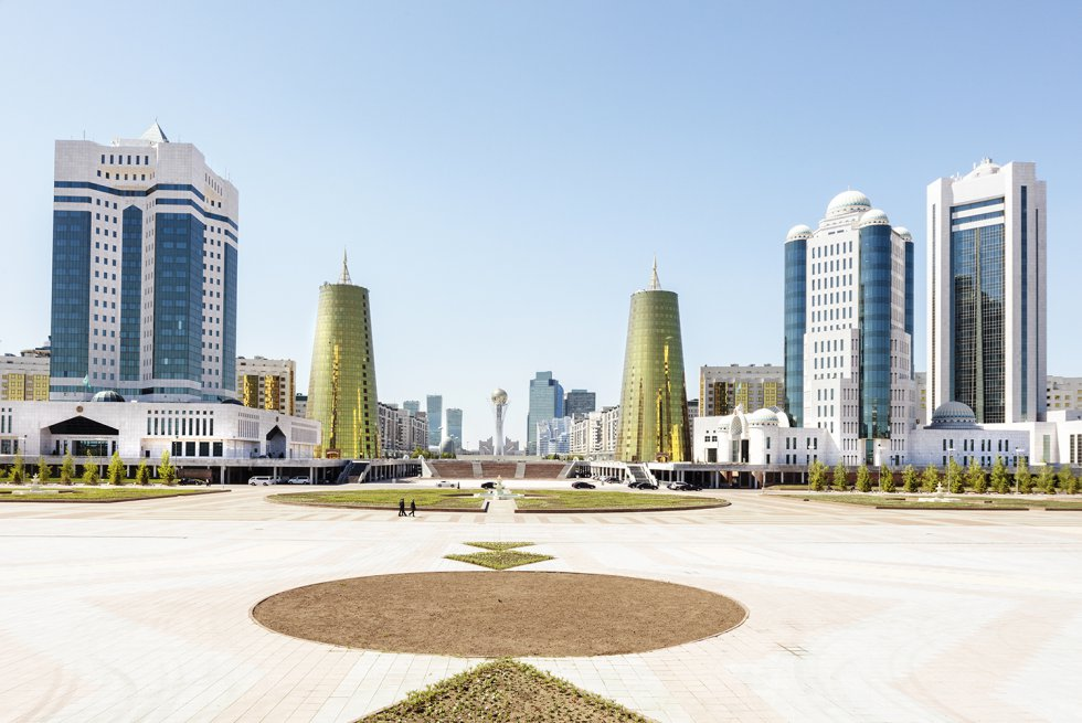 Distrito ministerial de Astaná, capital de Kazajistán, visto desdernel palacio presidencial