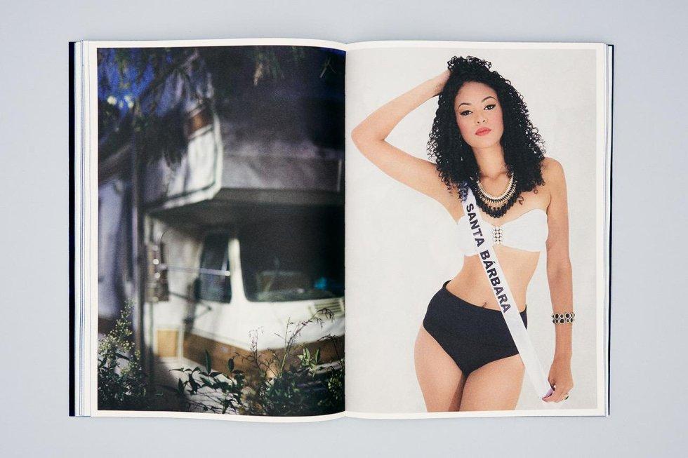 -Santa Barbara Shame on us, de Alejandro Cartagena. Editado por Skinnerboox