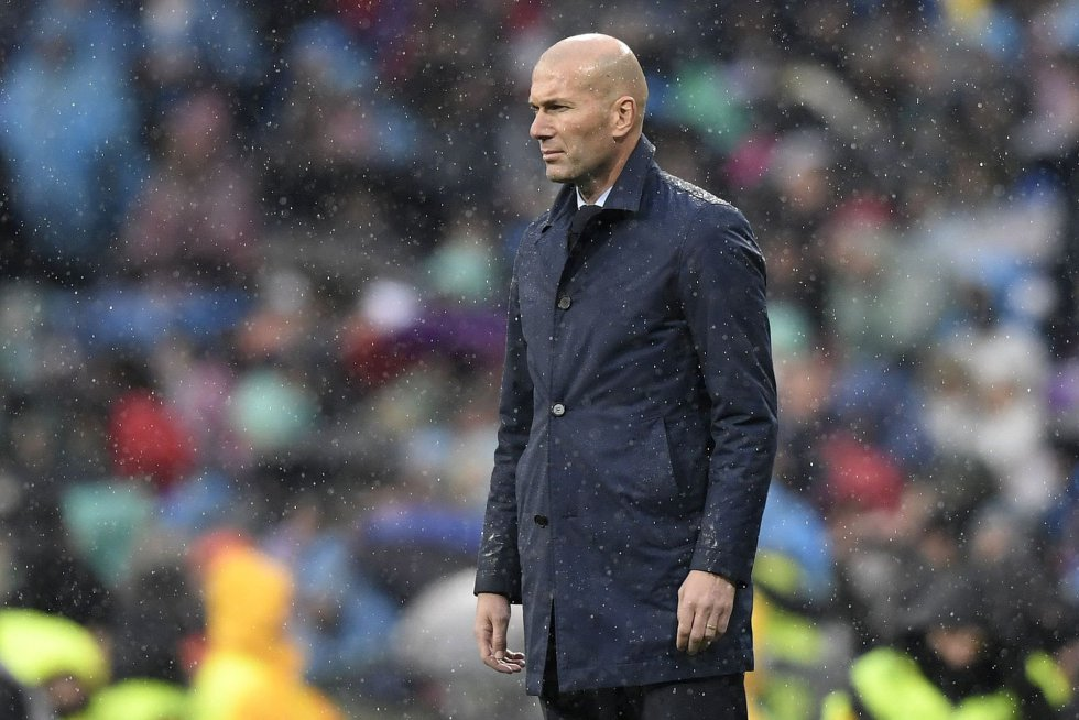 Zidane, el entrenador del Real Madrid, durante el partido ante el Villarreal.