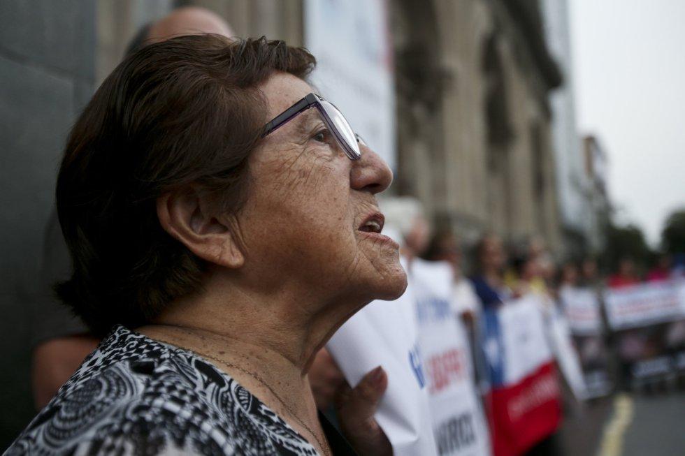 Manifestación del movimiento Laicos de Osorno contra el encubrimiento del escándalo de los abusos sexuales de menores en el país.  Las protestas ocurren en medio de la llegada del Papa Francisco al país que, al principio, no se reunirá con las víctimas de los sacerdotes