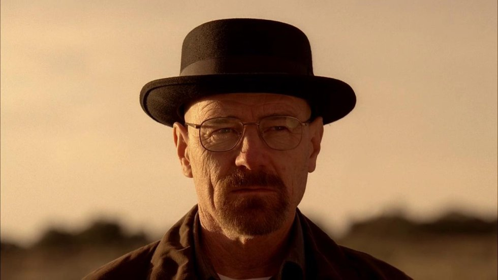 Heisenberg (el de 'Breaking Bad', no el físico alemán) va unido a su icónico sombrero. Este elemento en realidad apareció en el rodaje cuando Bryan Cranston lo empezó a usar para proteger su cabeza del sol. Pero cuando vieron su aspecto, decidieron que lo incluyera en la serie para ayudar a dar al personaje su peculiar estilo.