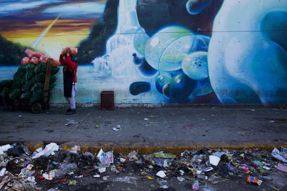 Los murales han contribuido al mejoramiento urbano, ya que en esta zona la limpieza de las calles representa un gran problema por la cantidad de basura que se genera todos los días.