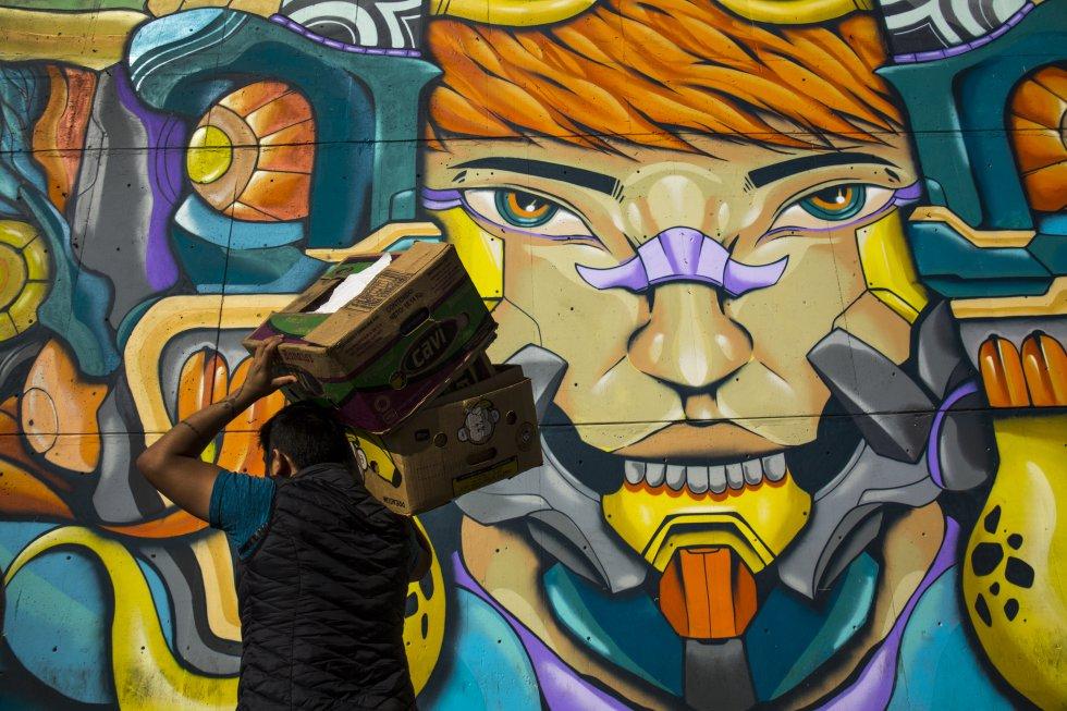 Los vendedores y trabajadores de la zona han adoptado esta muestra artística e incluso algunos aseguran tener un mural favorito