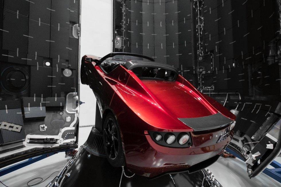El Tesla Roadster que será utilizado para el lanzamiento del cohete pertenece al presidente ejecutivo de SpaceX, Elon Musk.