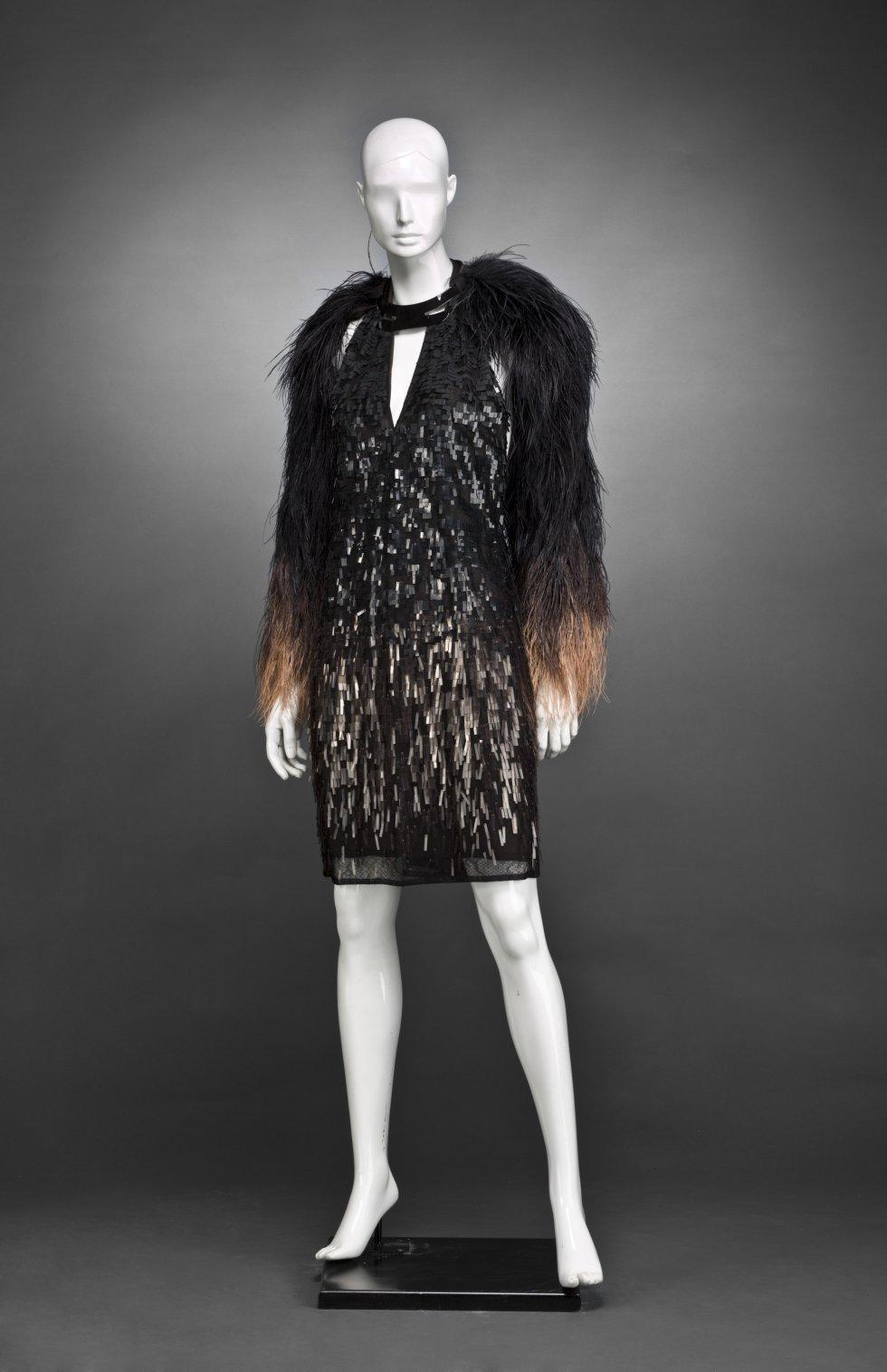 0d9a0560d Fotos  El Museo del Traje inaugura una exposición con vestidos de ...