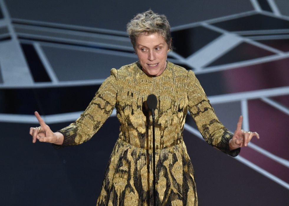 Frances McDormand agradece su Oscar a mejor actriz por 'Tres anuncios en las afueras'.rn