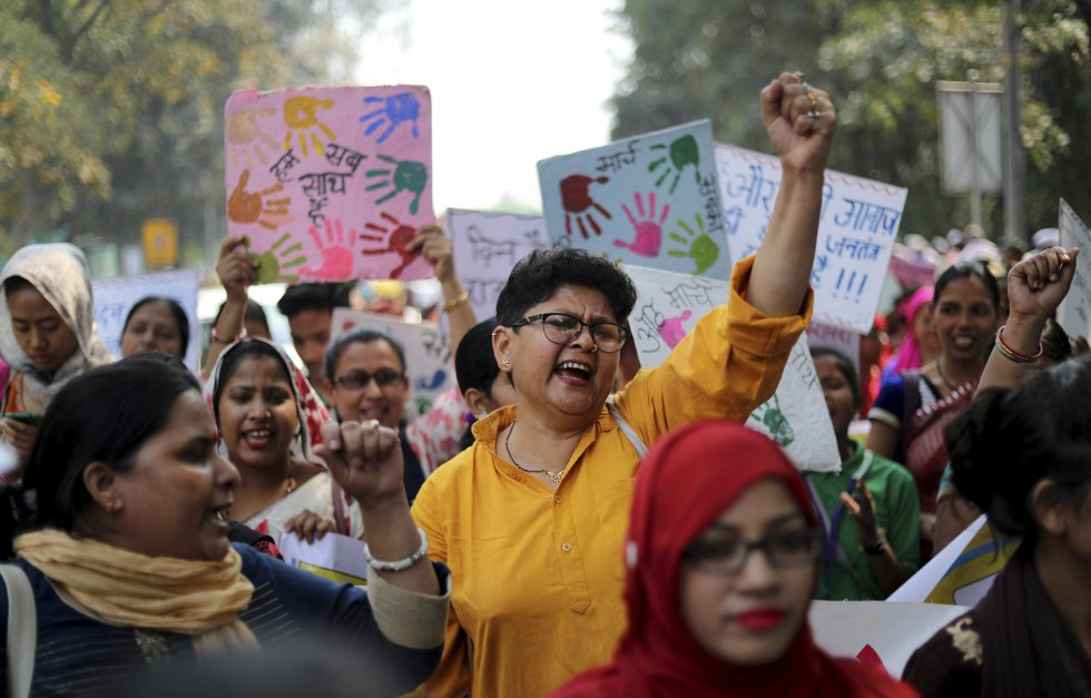 Mujeres hindúes se manifiestan en una protesta por el Día Internacional de la Mujer, en Nueva Delhi (India).