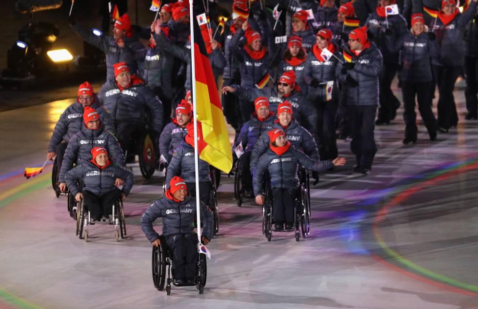 La delegación de Alemania desfila durante la ceremonia de apertura de los Juegos Paralímpicos de Pyeongchang 2018, el 9 de marzo de 2018.