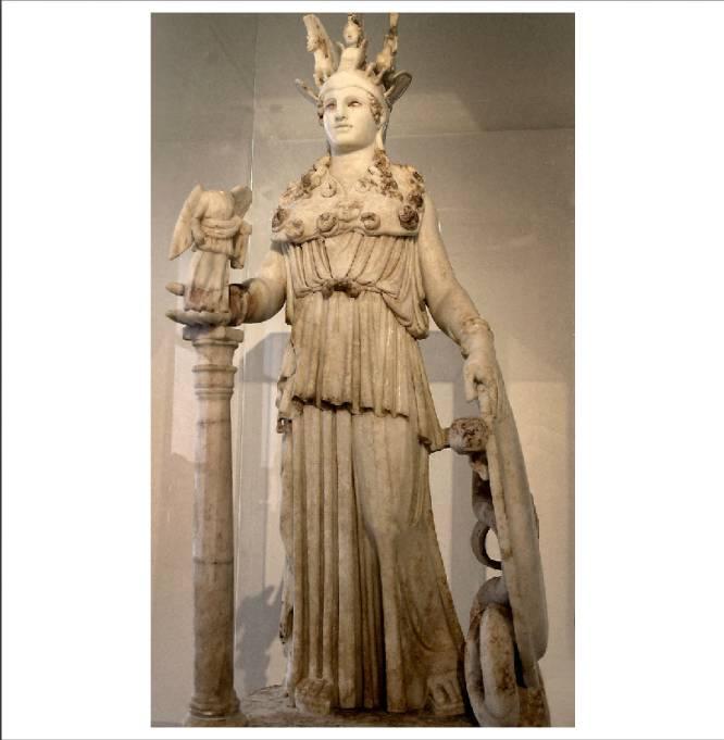 De qué tesoro hablamos.  Majestuosa estatua de unos 12 metros de altura esculpida por Fidias en oro y marfil y colocada sobre un enorme pedestal en la cella oeste del Partenón ateniense. Destacaba en ella el yelmo coronado por grifos y una esfinge, y la cabeza de la Medusa que colgaba de su pecho. Se trata de una de las obras maestras de la escultura griega clásica y, teniendo en cuenta la consideración que en la época se tenía de este tipo de monumentos, lo más parecido que hoy podamos concebir a una estrella mundial del cine o el pop. Pero tampoco: para nosotros resulta difícil entender la impresión de sobrecogimiento que sentía un griego cualquiera del siglo V a.C. al entrar en el templo y encontrase frente a frente con la diosa de la civilización y la sabiduría, la Señora de Atenas, deslumbrante en tonos blancos y dorados.     Cómo desapareció y por qué nadie lo ha encontrado.  Aunque existen algunas copias de mármol en menor tamaño que han sobrevivido a los siglos y las catástrofes (la más fiel es la Atenea Varvakeion del Museo Arqueológico de Atenas, aunque hay otra versión romana en el Museo del Prado), la original desapareció por causas que todavía se estudian. Una teoría es que fue llevada a Constantinopla, y allí quedó destruida durante el asalto de los cruzados cristianos en 1204.     Cuál es su valor.  Como el Coloso de Rodas: incalculable.   En la imagen, la Atenea Varvakeion del Museo Arqueológico de Atenas.