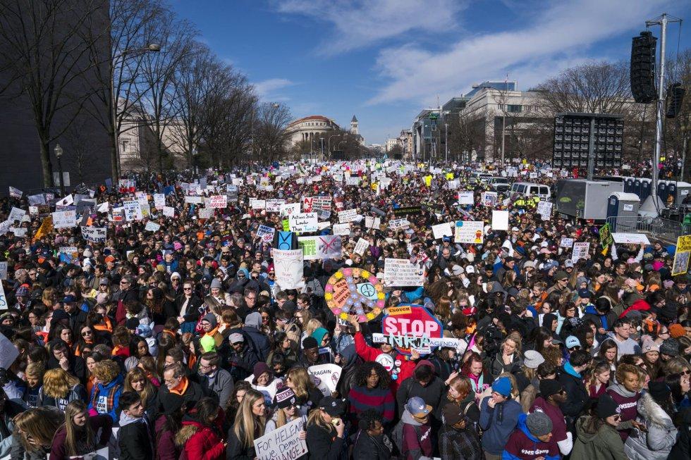 Miles de personas durante la marcha en la ciudad de Washington.
