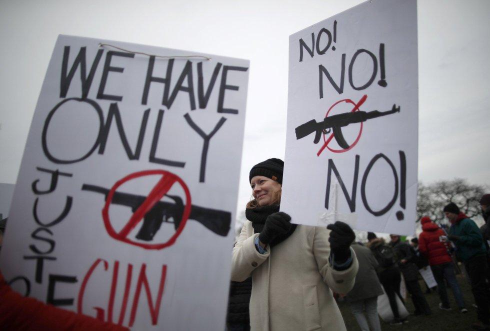 Una de las participantes de la manifestación celebrada en Chicago, Illinois.