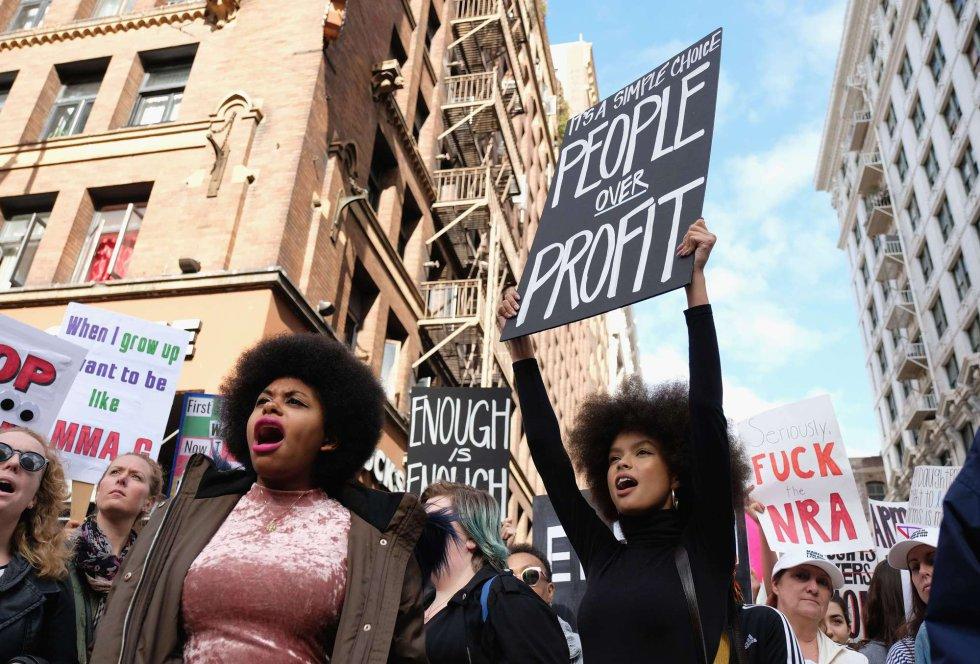 Participantes de la manifestación celebrada en Los Ángeles.