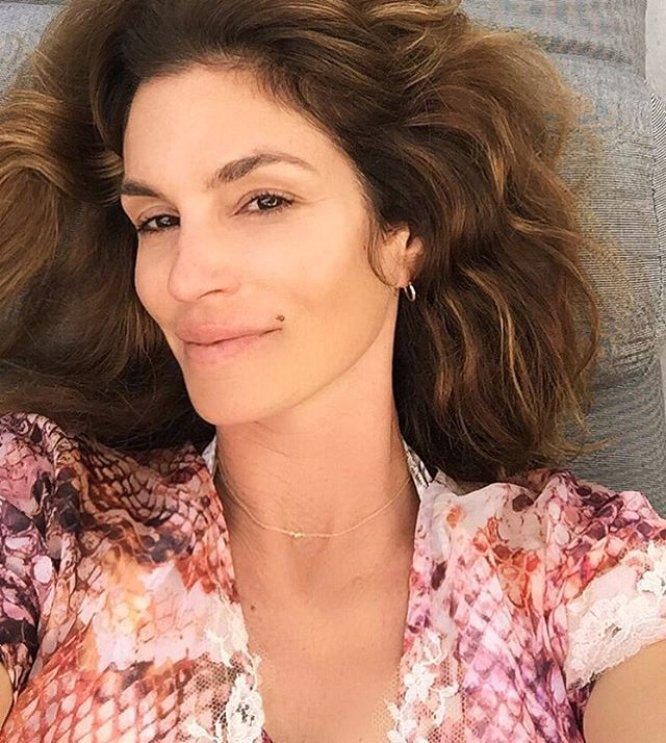 """""""Primer día con 50 años"""", es el mensaje que acompañaba esta imagen que la ex 'top model' utilizó para agradecer las felicitaciones de cumpleaños."""