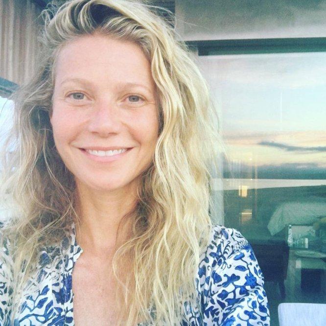 """""""#sinmaquillaje en mi 44 cumpleaños, abrazando mi pasado y mi futuro"""". Con este mensaje, la actriz Gwyneth Paltrow celebró su aniversario en las redes."""