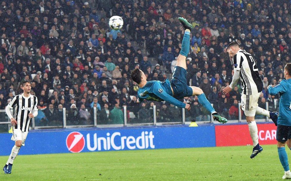 """""""Magia"""", """"Otro planeta"""", """"Fenómeno"""", son otras definiciones de las portadas de los diarios deportivos y generalistas italianos, que se rinden ante un Ronaldo que fue protagonista absoluto con un espectacular doblete y una asistencia."""