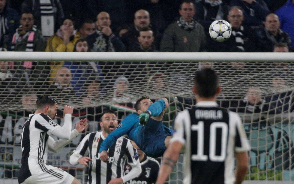 """""""Un ángel contra los humanos"""", explica el diario rosado en sus páginas, además de subrayar el agradecimiento mostrado por el portugués tras la ovación del Juventus Stadium."""
