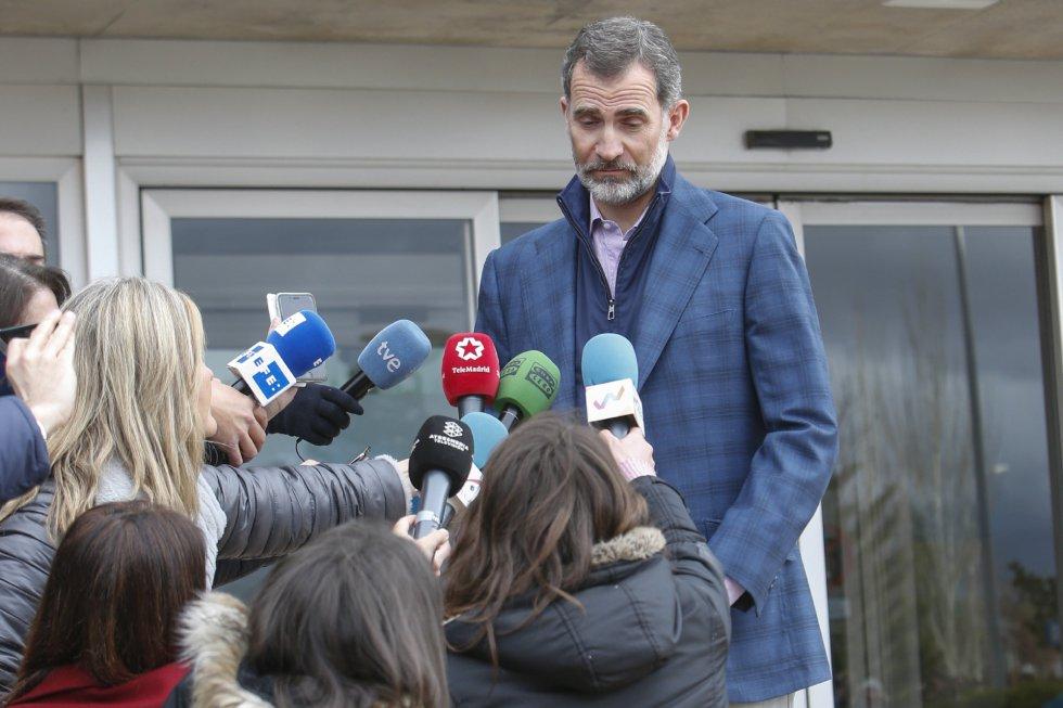 El Rey, en el momento de informar sobre el estado de salud de don Juan Carlos.