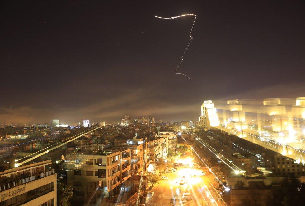 En las calles de Damasco se han escuchado las alarmas para advertir a la población de los ataques.