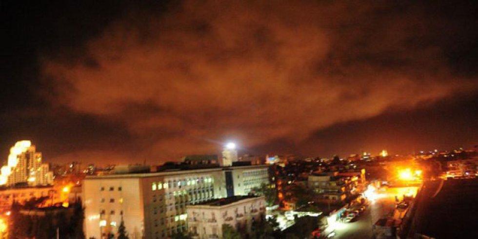 El gobierno sirio ha difundido varias imágenes de los ataques sufridos por los bombardeos.