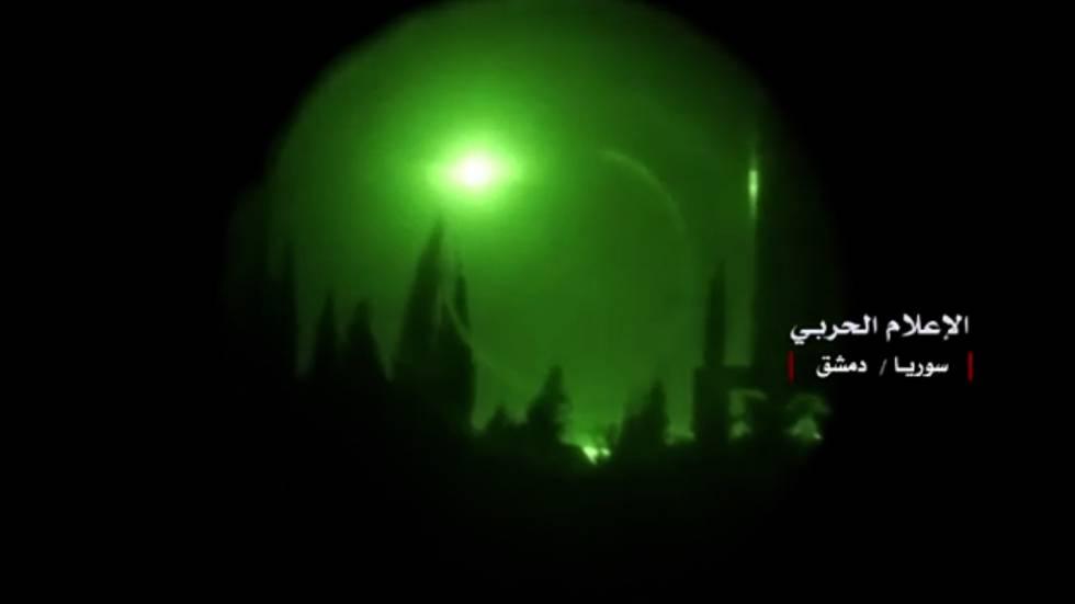 Una explosión en el cielo de Damasco. La imagen ha sido publicada por el Gobierno sirio.