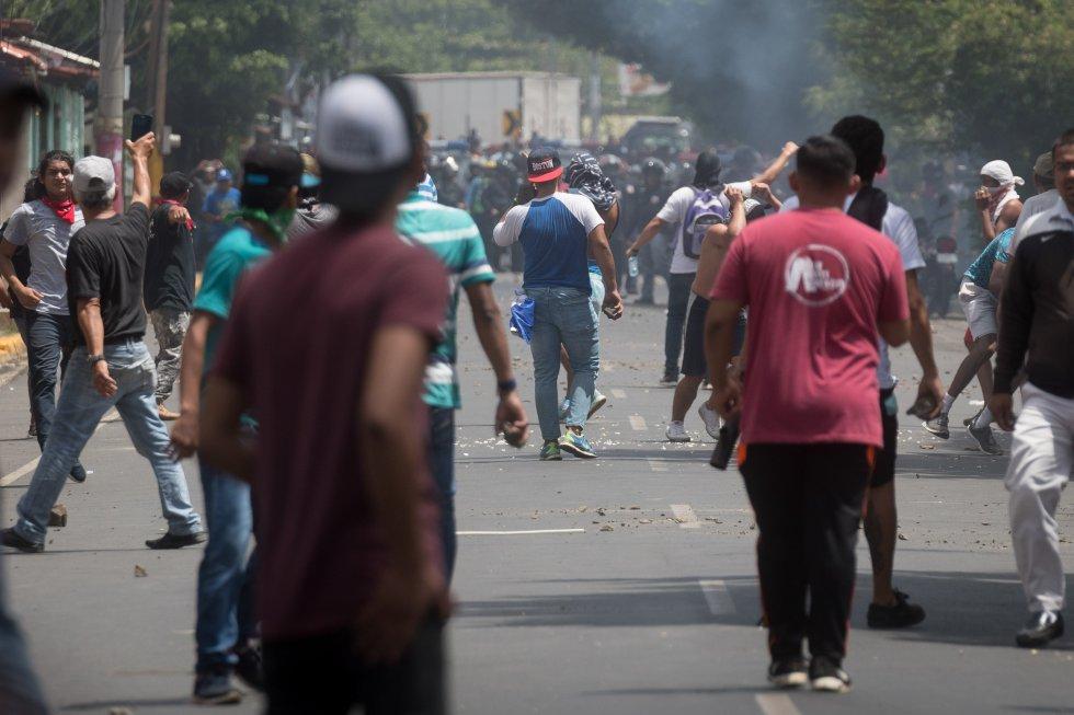 Los nicaragüenses se han echado a las calles para protestas contra la reforma de la Seguridad Social que ha realizado el gobierno de Daniel Ortega.
