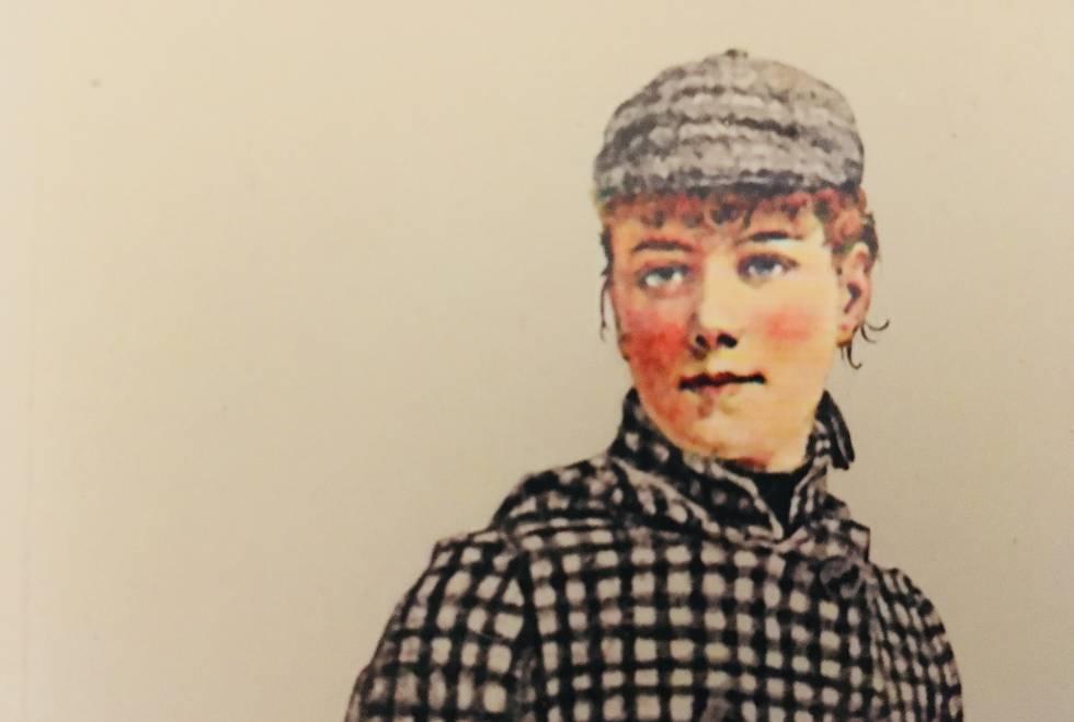 Nunca se conformó con lo que le daban, con lo que se suponía que tenía que hacer o con lo que debía solo por ser mujer. Elizabeth Jane Cochran nació en 1864 en Cochran's Mills (Pensilvania, Estados Unidos) y murió en Nueva York, 58 años después. Quien la recuerda lo hace bajo el nombre de Nellie Bly, el pseudónimo que usó durante toda su trayectoria profesional: pionera en el periodismo de investigación y una de las primeras corresponsales de guerra, escritora, feminista y aventurera. Fue libre en cada lugar que pisó: México, donde fue corresponsal, varios países de Europa, donde cubrió la Primera Guerra Mundial y la Convención de 1913 y unas cuantas decenas más cuando, en 72 días, dio la vuelta al mundo. Este libro es la única recopilación impresa de los escritos de Bly, sus obras más conocidas, artículos de opinión y reportajes que hacen un dibujo perfecto de una perspectiva que, siglo y medio después, todavía sirve para entender el mundo de hoy, y el de ayer.