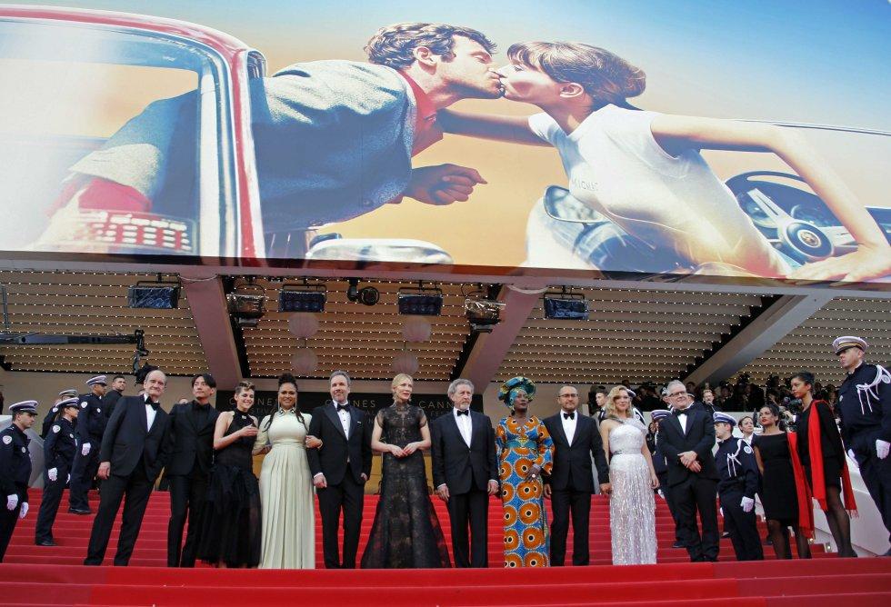 Los miembros del jurado asisten a la ceremonia de apertura del festival y al estreno de la película 'Todos lo saben', el 8 de mayo de 2018.