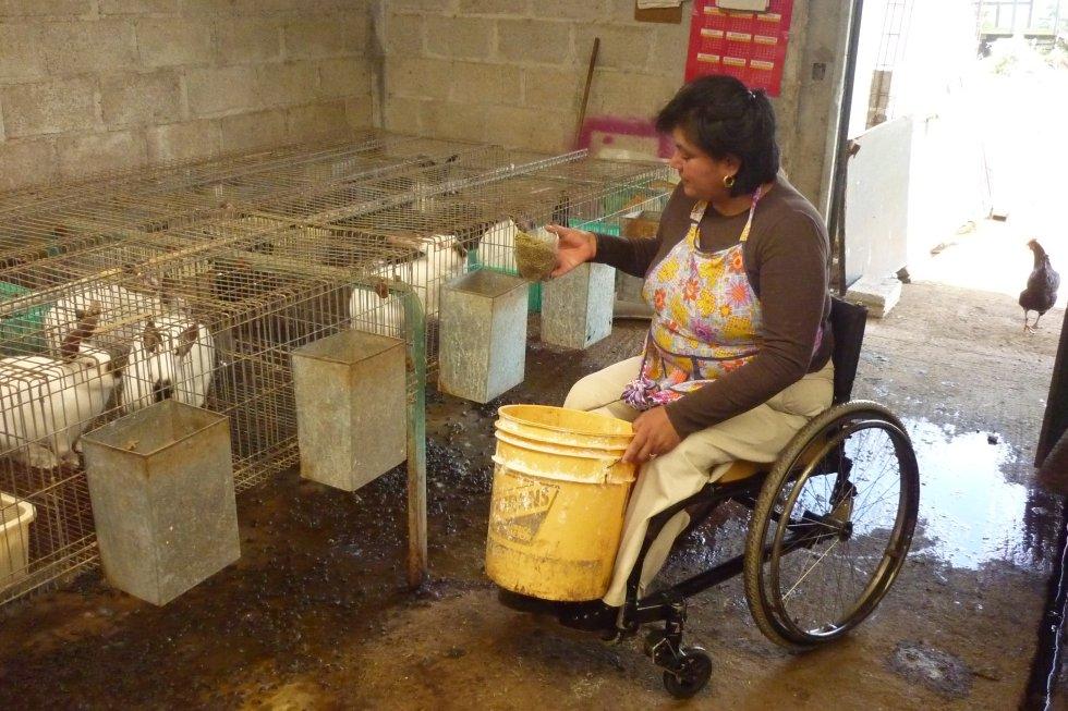 """""""Las mujeres indígenas con discapacidad queremos ser vistas como agentes de cambio y contribuidoras en la erradicación del hambre, y solo podemos lograrlo cuando somos empoderadas y nos encontramos en igualdad de condiciones que el resto de las indígenas. El lema de la agenda 2030: 'no dejar a nadie átras' es nuestra inspiración"""", señala la autora de esta imagen del pueblo nahua, que recibió una mención de honor."""