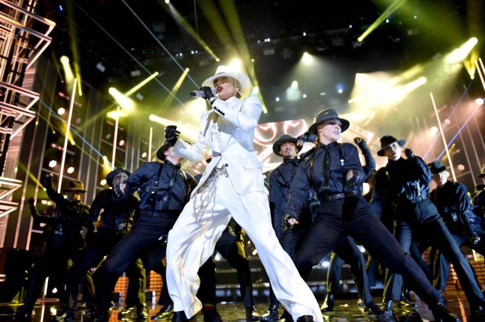 Actuación de la artista Jennifer López en los Billboard.