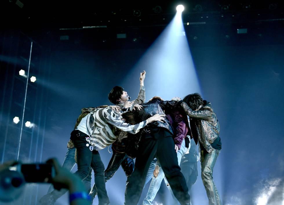 BTS interpretó 'Fake Love' en la ceremonia de los Billboard 2018.
