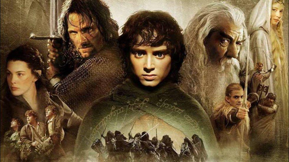 """Lo que dice la crítica: """"Un triunfo sin precedentes. Que hagan más, por favor"""" (Colin Covert, 'Minneapolis Star Tribune'). Lo que dice Ennis del Mar, usuario de Filmaffinity de Bilbao (España): """"Menudo pedazo de petardo que es esta película. Simple, aburrida, sin guion, repetitiva. Y la culpa de todo la tiene Tolkien, que en vez de inventarse un idioma podría haber aprendido a escribir buenas historias. Una película más bien para quinceañeros, ¿pero que la vayan a ver adultos? No lo entiendo""""."""