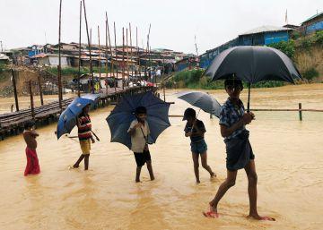 Inundaciones en el campamento rohingyá de Kutupalong, en imágenes