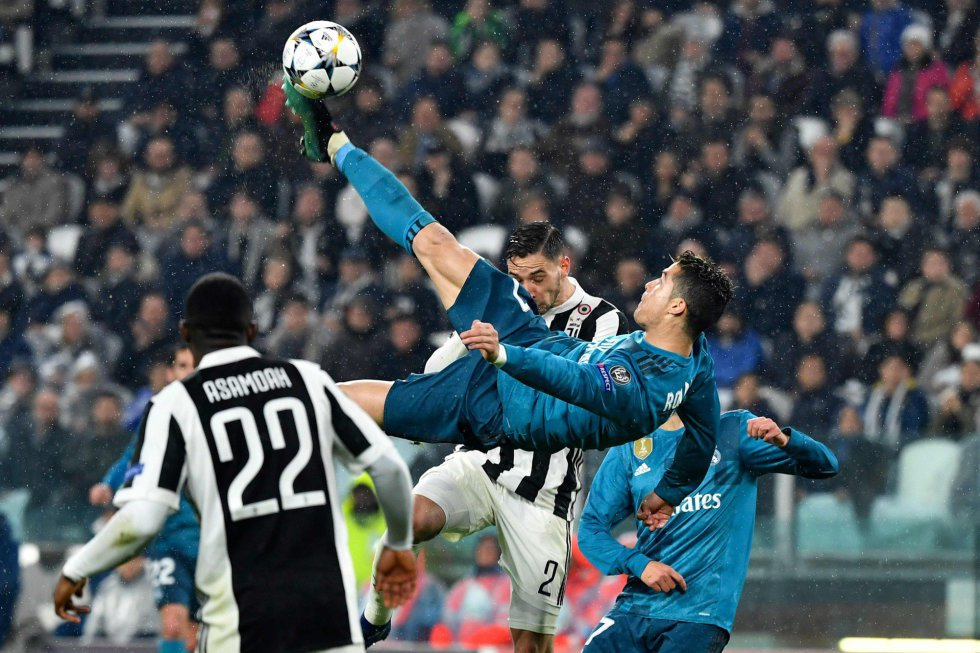 Cristiano Ronaldo anota el 2-0 contra la Juve en los cuartos de final de la Champions en el Juventus Stadium de Turín, el 3 de abril de 2018.