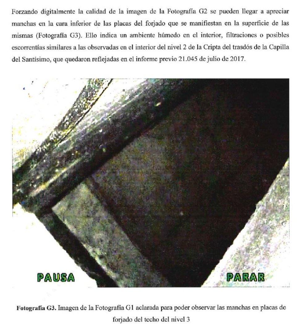 Imagen de uno de los posibles accesos al sepulcro. La imagen, que ha sido aclarada por técnicos del CSIC, muestra humedades.