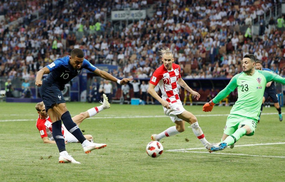 Mbappé marca el cuarto gol para Francia.