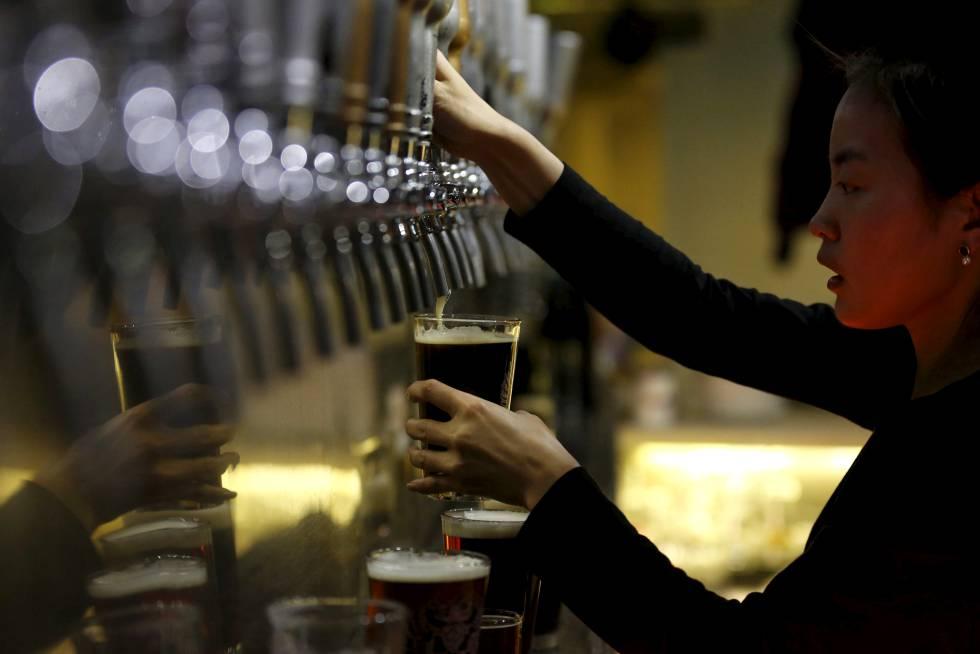 Por qué incluso el consumo moderado de alcohol aumenta el riesgo de padecer cáncer