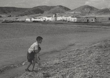 Las fotografías que tomó Vicente Aranda en la Almería de Goytisolo