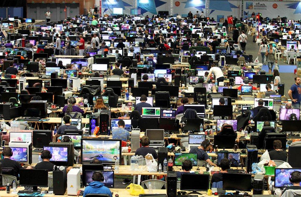 Además de los participantes con puesto de ordenador fijo, se espera la asistencia de miles de personas a la Opengune, zona gratuita y abierta al público que, por primera vez, ocupará un pabellón de 15.000 metros cuadrados.