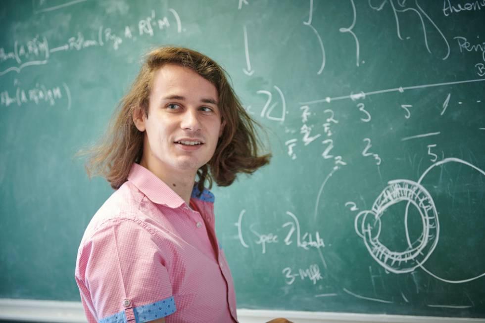 El joven que rechazó 100.000 dólares con 27 años gana el 'Nobel' de las matemáticas