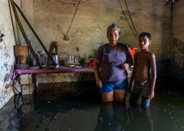 Las inundaciones en el sur de Venezuela añaden más drama a la crisis